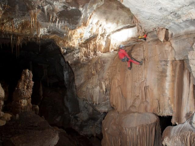 la-rando-de-l-extreme-speleologie-grotte-saint-marcel-activite-indoor-97