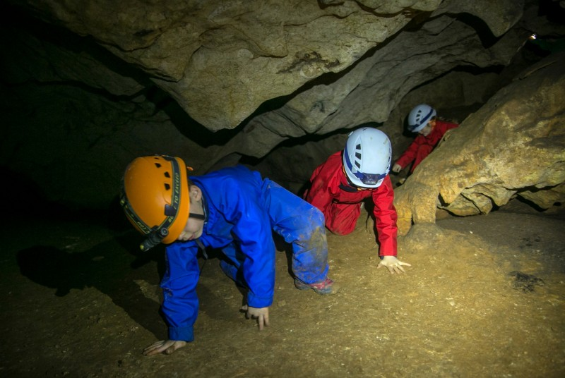 aventure-en-famille-speleo-grotte-saint-marcel-activites-enfants-144